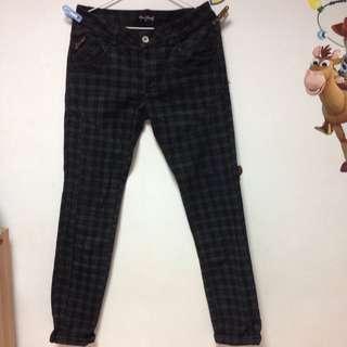 格紋窄管褲(保留中)