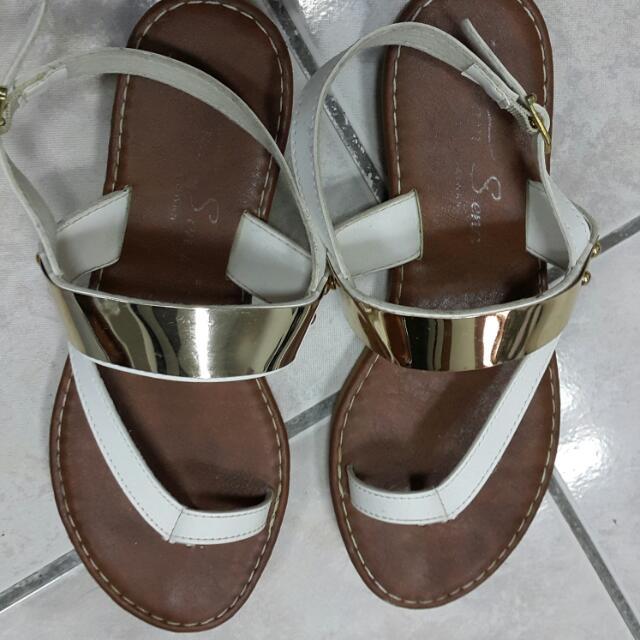 金屬平底涼鞋