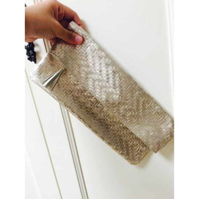 出清💛金色手拿包💛在日本帶回來的不知名牌❓❓❓