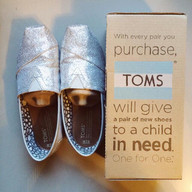 二手!Toms銀色亮亮百搭鞋