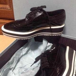 Prada 厚底鞋