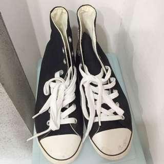 Converse 基本款帆布鞋