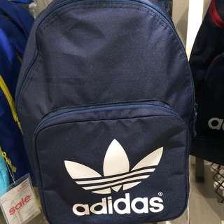現貨!Adidas。logo. 三葉草 後背包!