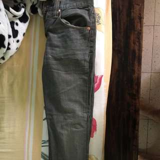 SELLING BRAND NEW LEVI JEANS
