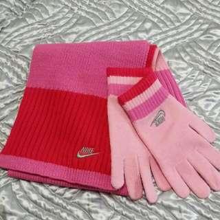 Nike手套。圍巾組