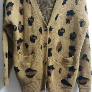 土黃豹紋外套