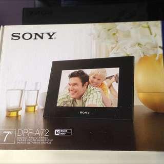 #UOBPayNow [Price Reduced] BNIB Sony S-Frame DPF-A72 For Sale