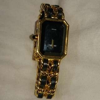 香奈兒M號手錶