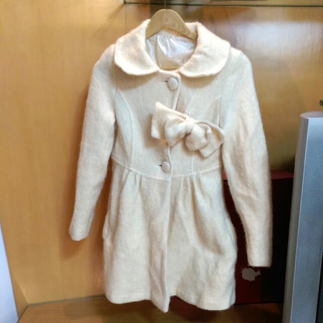 米色百搭外套,也可當小洋裝