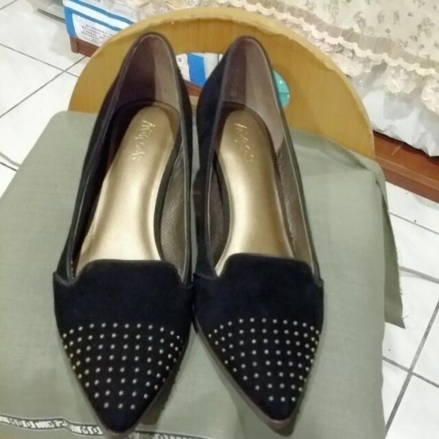 專櫃麂皮鉚釘高跟鞋