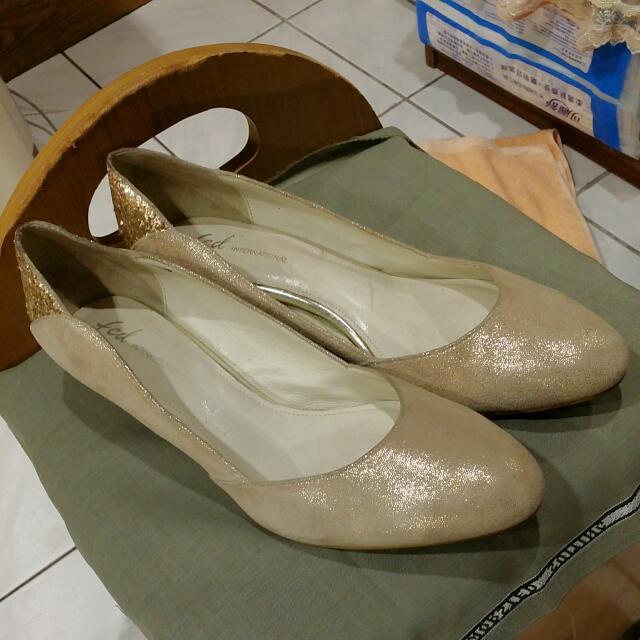 專櫃絨面金蔥低跟鞋