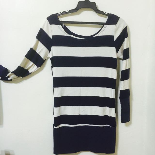 ✨全新✨深藍配白條紋長版衣