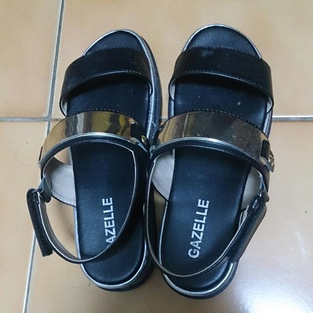 涼鞋 23號