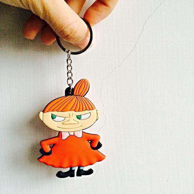 超可愛嚕嚕米 Little My 招牌動作 軟膠鑰匙圈吊飾 嚕嚕米卡通系列 Moomin