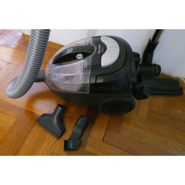 Electrolux mobiOne bagless vacuum cleaner - HEPA filter