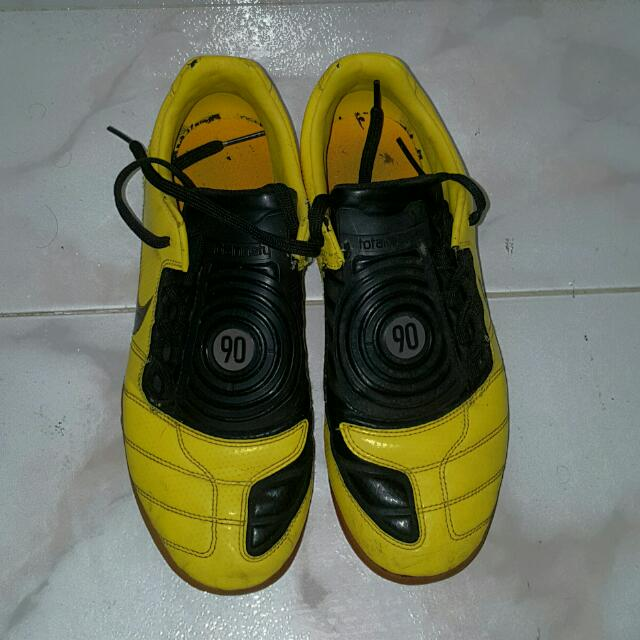 05f1af8ac NIKE Total 90 Shoot ii Extra Indoor Soccer Shoes (Yellow)