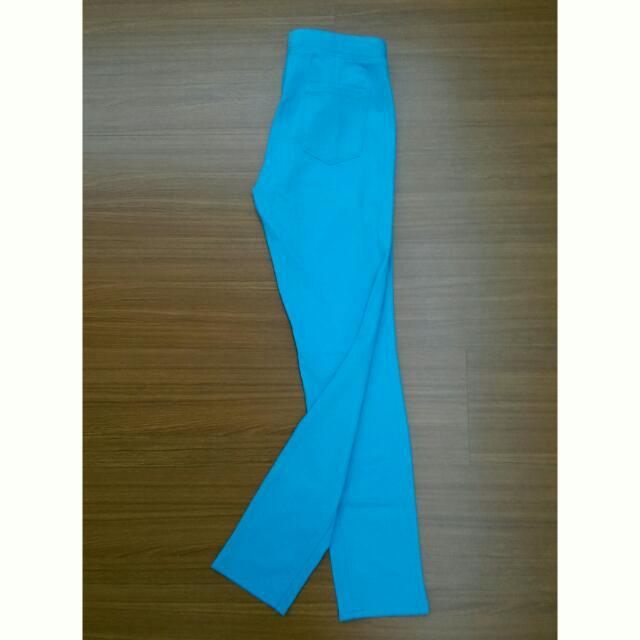 ✨全新免運可議價✨UNIQLO湖水藍綠色彈性長褲👖