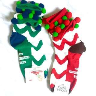 (聖誕禮物系列)紅綠球球造型襪組