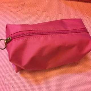 桃紅色化妝包