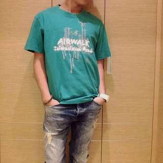 二手 Airwalk 綠色短袖T恤