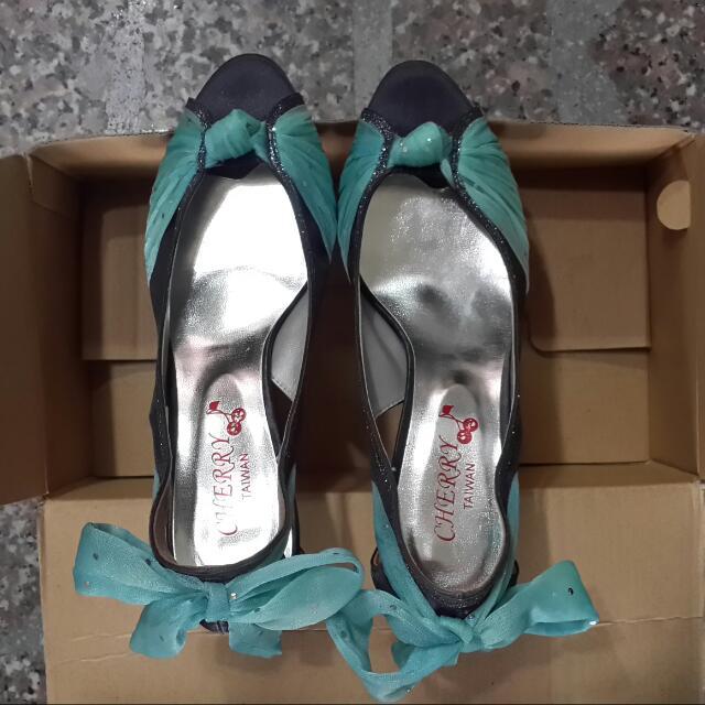 全新蕾絲蝴蝶結高跟鞋