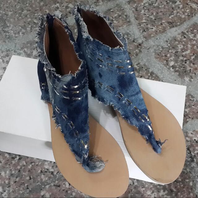 特殊造型牛仔夾腳涼鞋