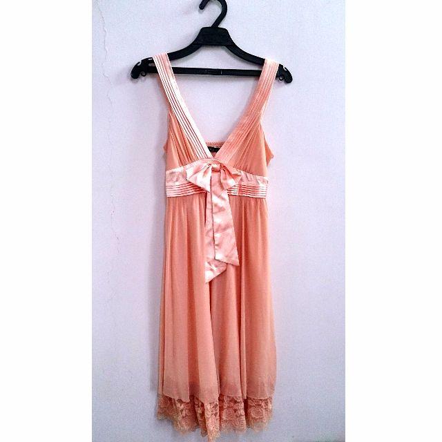 女神粉紅洋裝
