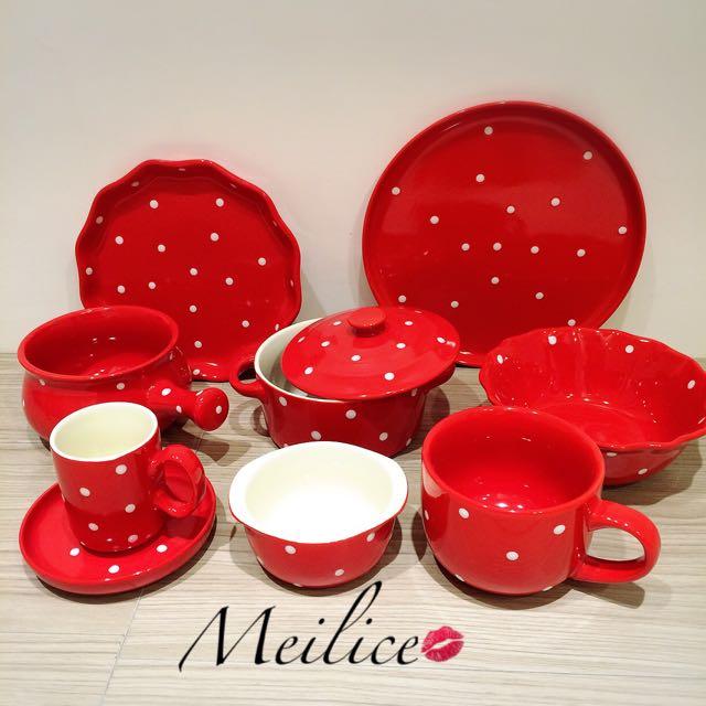 紅色點點餐具組。聖誕節交換禮物。9件組