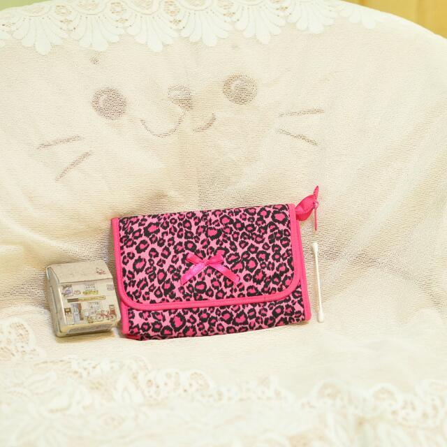 $150含運 《桃紅色豹紋蝴蝶結化妝包》