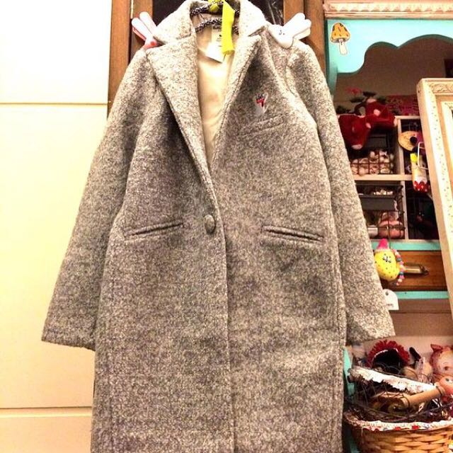 A波購入淺灰色貓咪圈圈毛大衣