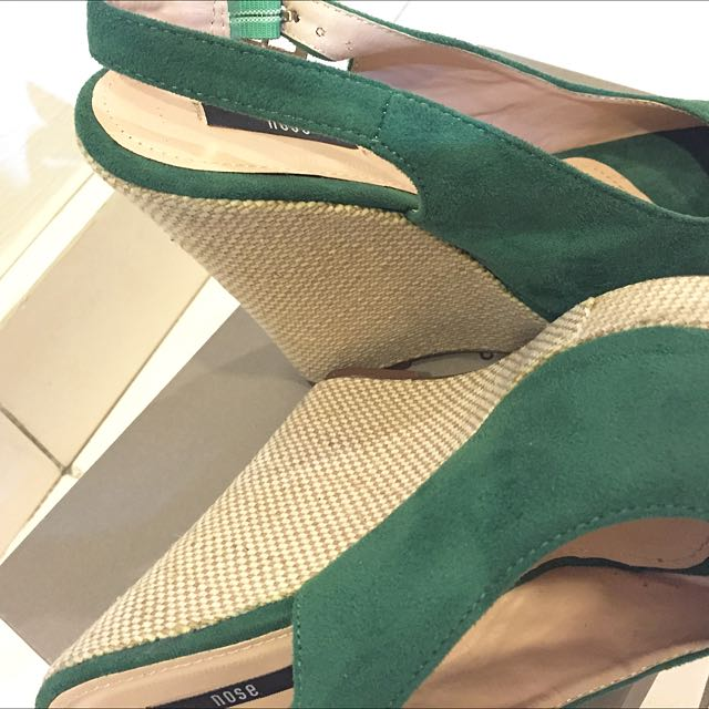 f4e471ce5e5 Nose Emerald Green Wedges