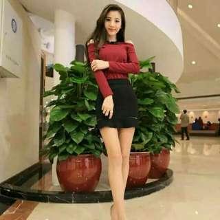 新款露肩蕾絲打底上衣+包臀短裙 時尚套裝   白衣+黑裙   紅衣+黑裙  均碼