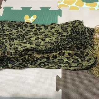全新豹紋圍巾