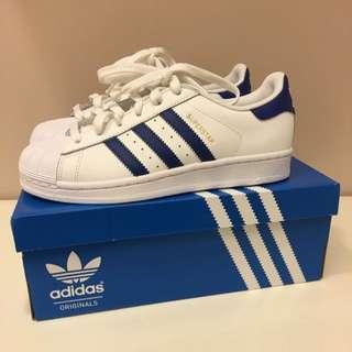 全新正品。Adidas Superstar 藍白金標。附發票