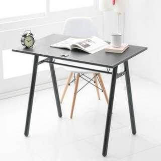 馬鞍皮工作桌黑60x90