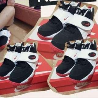 Nike Air Mission 熊貓配色