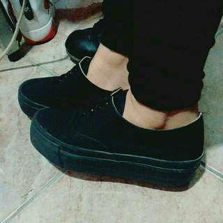 黑色厚底鞋100