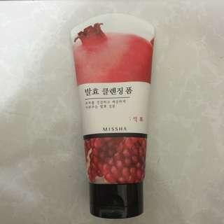 Missha 天然發酵紅石榴潔面乳