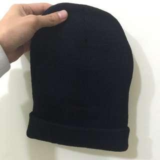 含運 黑色素色毛帽