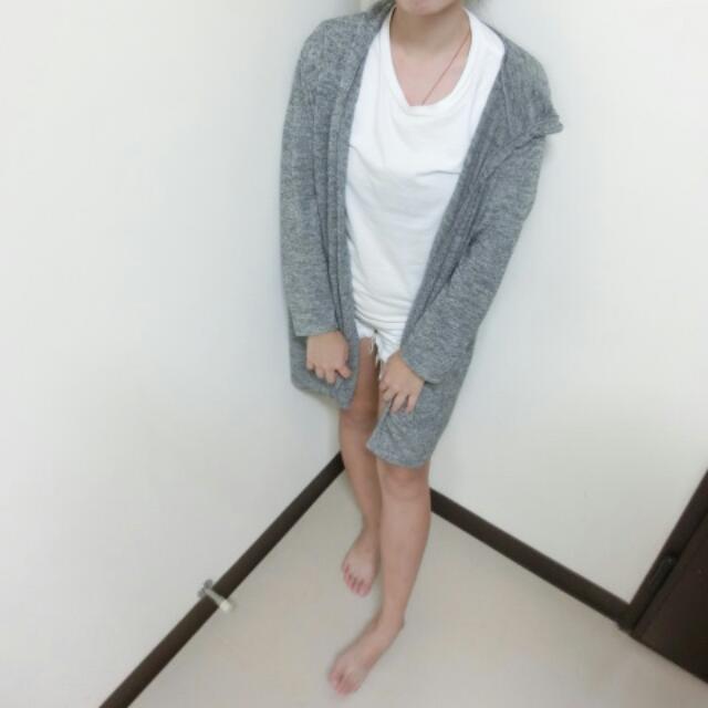 灰色薄針織長版罩衫