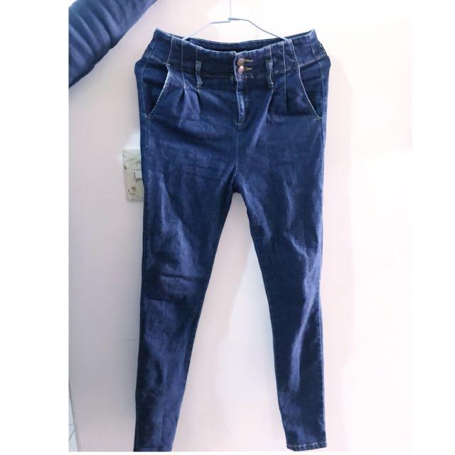 高腰牛仔褲  (小肉女孩看過來~非常彈性!免運)