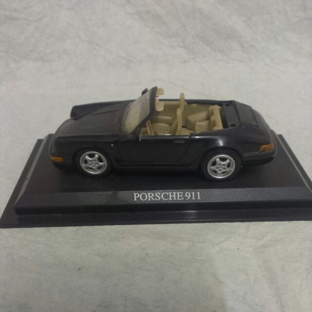 聖誕禮物 車界名牌 保時捷 Porsche911 經典黑 敞篷跑車 立體模型車