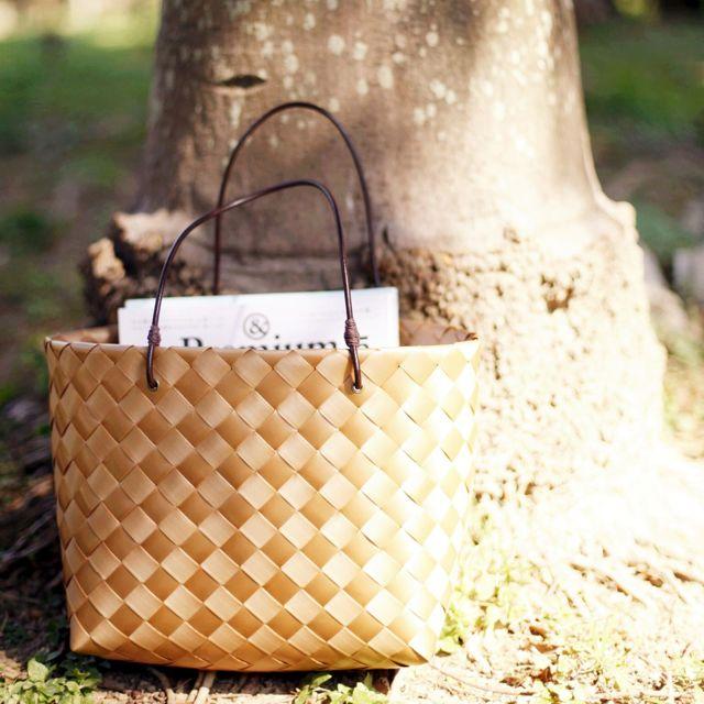 [das] 珍珠帶。野餐提籃