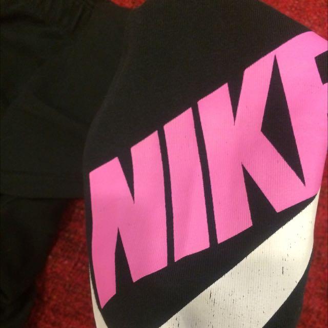 Nike韻律褲