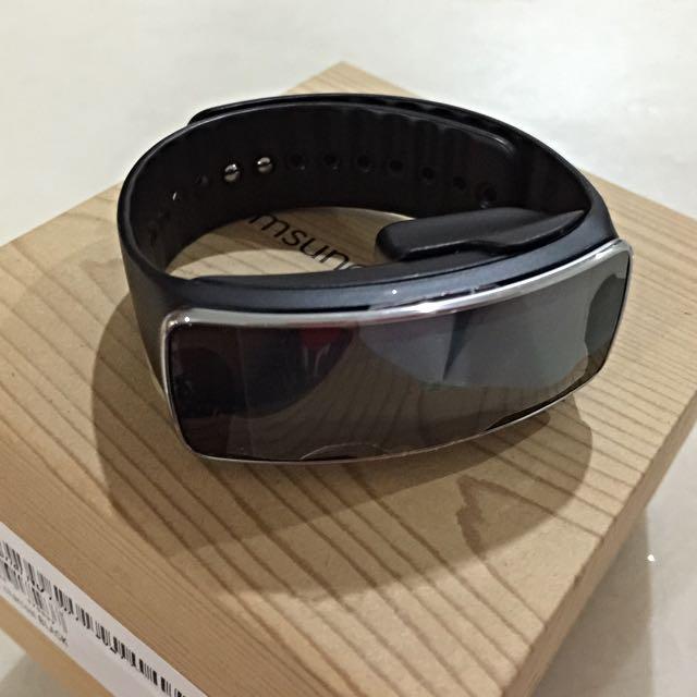 Samsung Galaxy Gear Fit SM-R350 Smartwatch Fitness Tracker -  Charcoal Black