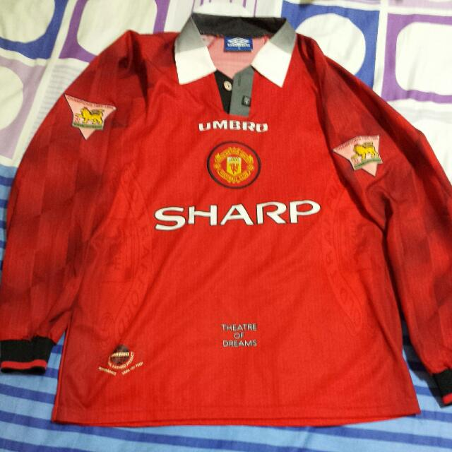 894349da9 [RESERVED] Vintage: 1996 Manchester United Home Beckham 10 Jersey (100%  Authentic, Size M), Sports on Carousell