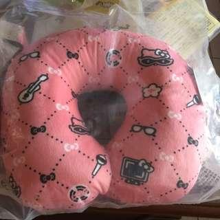 全新hello kitty u型枕