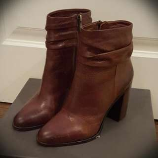 BRAND NEW Vince Camuto Ankle Boots - Size 7