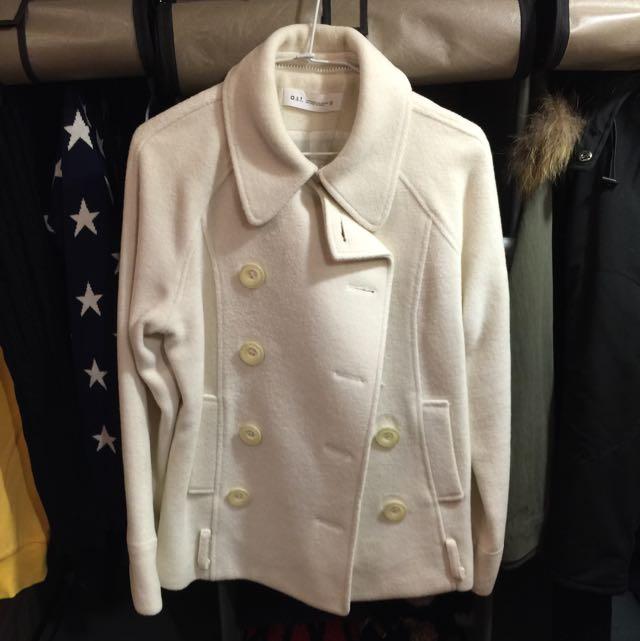 白色毛料大衣