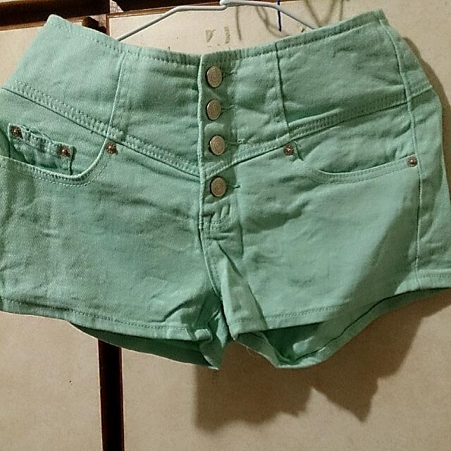 果綠高腰短褲